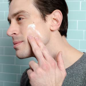 man face wash scrub scrubber exfoliate clean purify routine skin skincare beauty gift everyday