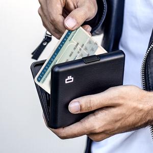tarjetero, cartera hombre, cartera practica, tarjetas, billetes, proteccion RFID, tarjetero de metal