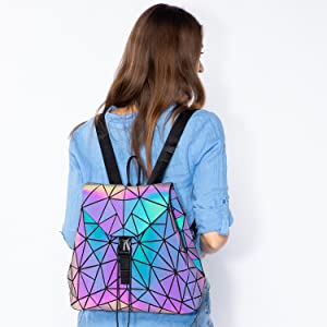 Model Show —â€?Geometric Luminous Backpack Set