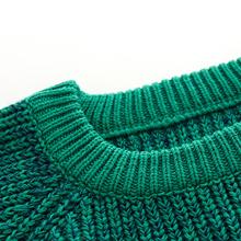 Ribbed collar display