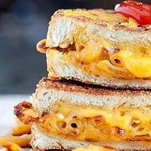 Garlic Mac N Cheese Sandwhich