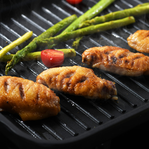 300-300-2 grills chicken wings on s.kitchn grill pan