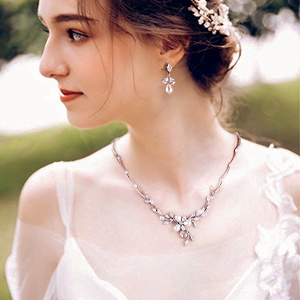 white clear crystal wedding necklace set for bride