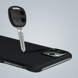アイフォン11pro ケース スマホ カバー 携帯 超薄 軽量 カーボン風 おしゃれ 人気 ハード 手触り良い シンプル 丈夫 手触り 頑丈 装着 薄い 軽い