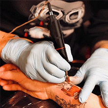 A complete tattoo kit is a good choice for an apprentice, beginners, starters.