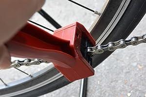 AZ エーゼット 三面チェーンクリーニングブラシ 赤 自転車チェーンの掃除 KD059