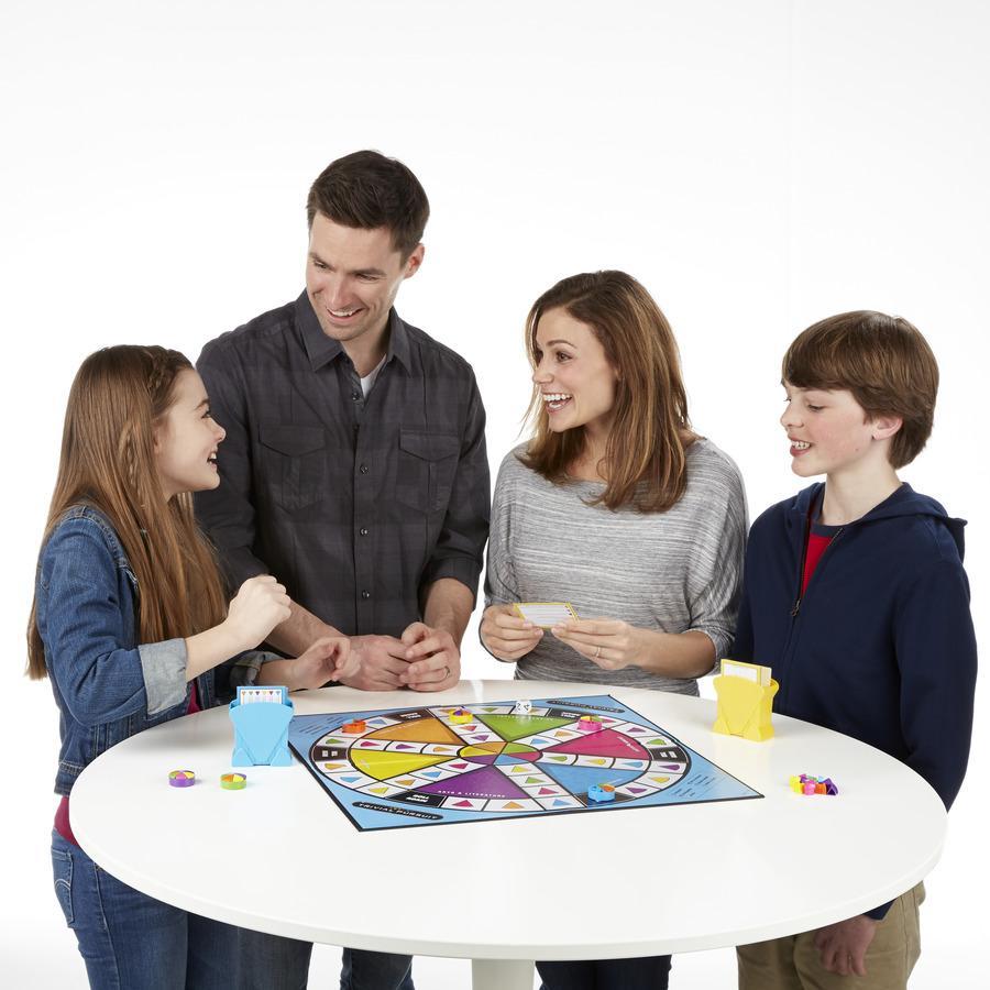 trivial pursuit family edition board game hasbro amazon. Black Bedroom Furniture Sets. Home Design Ideas