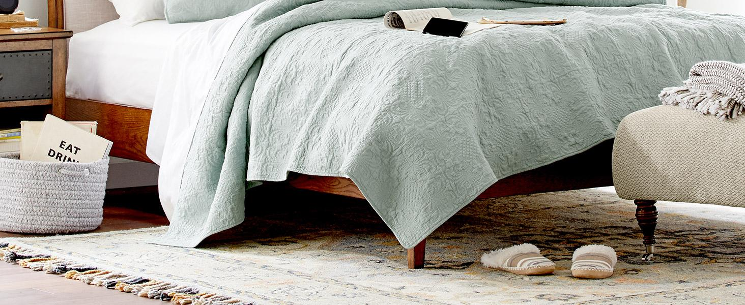 Stone and Beam, home furnishings, small space, duvet, coverlet, sheets, pillow, quality Soft, cotton