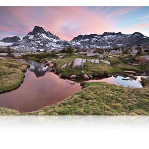 Nikon FX-format D750 - 24.3 MP, SLR Camera 24-120mm Lens