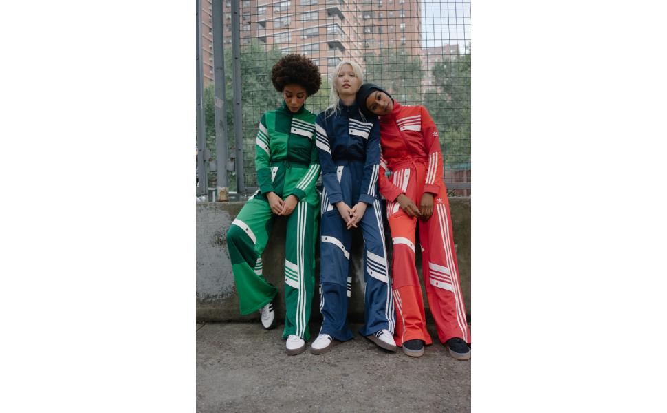 adidas Men's M SALAH CELEBraTION GRAPHIC 3 T-Shirt