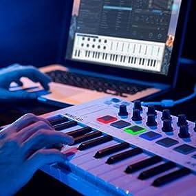 Teclado Arturia 230501 MiniLab MkII, 25 notas, controles, color blanco