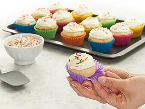 Amazon BasicsReusable Baking Cups