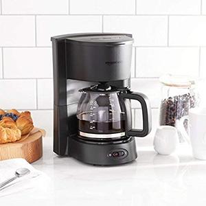 AmazonBasics Coffee Maker   650W Drip Coffee Maker
