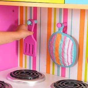Kidkraft 53100 Deluxe Big And Bright Hochwertige Spielkuche Aus Holz Bunt Amazon De Spielzeug