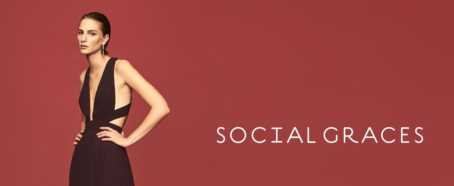 Amazon.com  Social Graces Women s Beaded V-Neck Choker Floral Lace ... 47a4af250
