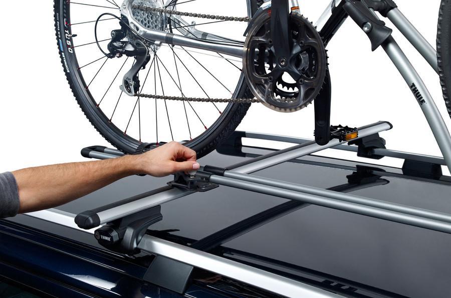 Thule FreeRide, Portabicicletas vertical, funcional y fácil de usar, que satisface las necesidades básicas.: Amazon.es: Coche y moto