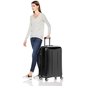AmazonBasics Oxford Expandable Spinner Luggage Suitcase
