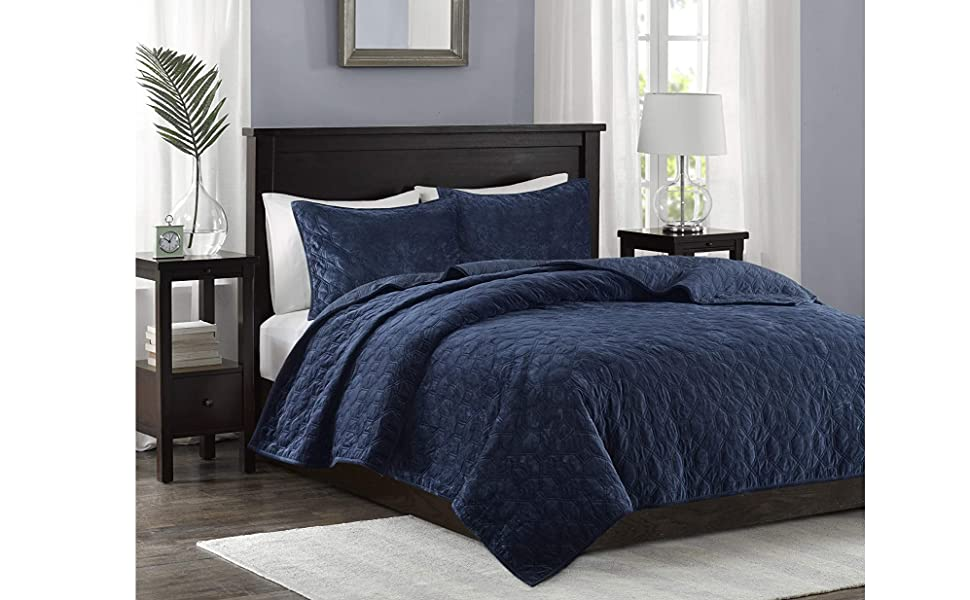 White Pottery Barn Cooper Print Cotton KING Quilt ~ Blue