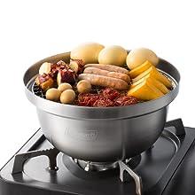 チーズやソーセージなどの食材で手軽に燻製