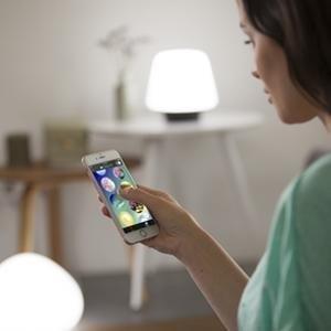 Philips Hue Lightstrip Plus, Tira Inteligente LED 2m + Alimentador, Luz Blanca y Color, Compatible con Alexa y Google Home: Amazon.es: Iluminación