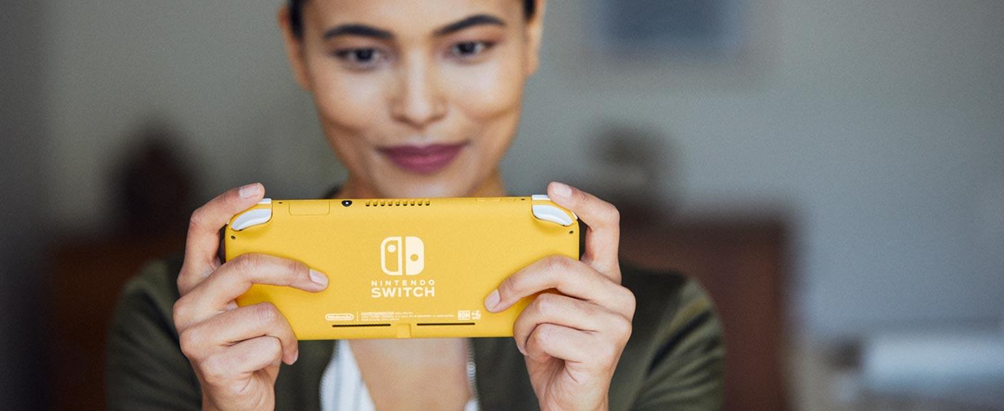 Nintendo Switch Lite Turquoise on Nintendo Switch