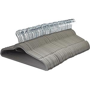 Perchas de terciopelo gris