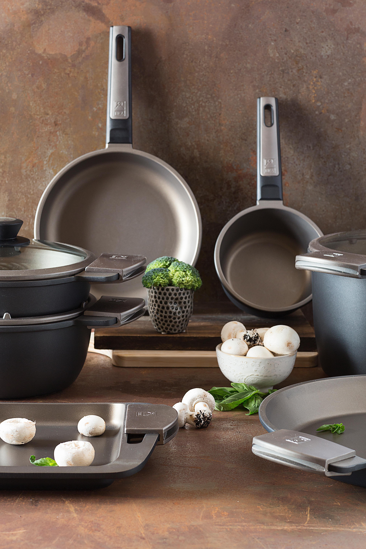 BRA - Olla Alta con Tapa de Cristal y Asas de Silicona, Aluminio Fundido con Antiadherente Teflon Selectaptas para Todo Tipo de cocinas incluida ...