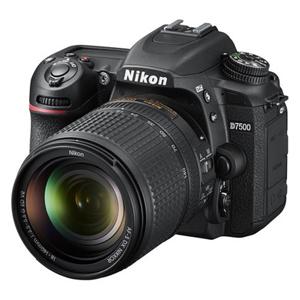 Nikon D7500 with AF-S 18-140mm