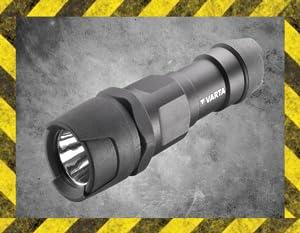 Varta - Linterna Indestructible 1 Watt LED, 155 Lumens, 183m de Alcance, 3x AAA Incluidas