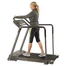 Treadmill with sfatey gaurd rails
