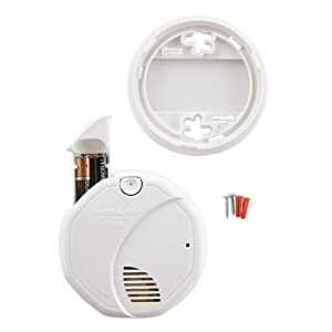 The battery-powered fire detector can be installed easily