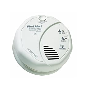 First Alert OLCOMBOV Wireless Interconnected Smoke and CO Alarm