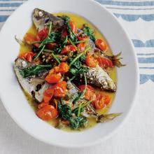 圧力鍋 あつりょくなべ 鍋 時短 アクアパッツァ 魚 一尾 あじ トマト スパニッシュ スペイン料理 ルッコラ あじ アジ フレッシュ 香味野菜 さわやか 鯛 おもてなし つまみ ごちそう