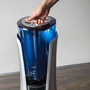 Humidifier with Clean Tank Technology against mold and mildew