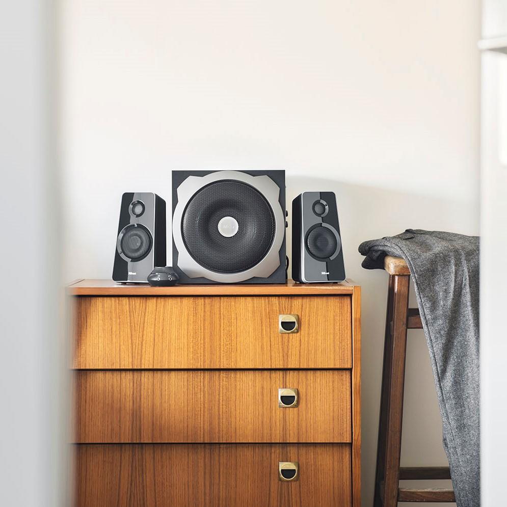 trust tytan enceinte pc 2 1 avec caisson de basses pour. Black Bedroom Furniture Sets. Home Design Ideas
