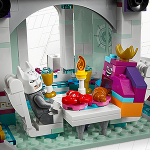 Lego The Lego Movie 2 Queen Watevra/'s 'So-Not-Evil Space Palace 70838