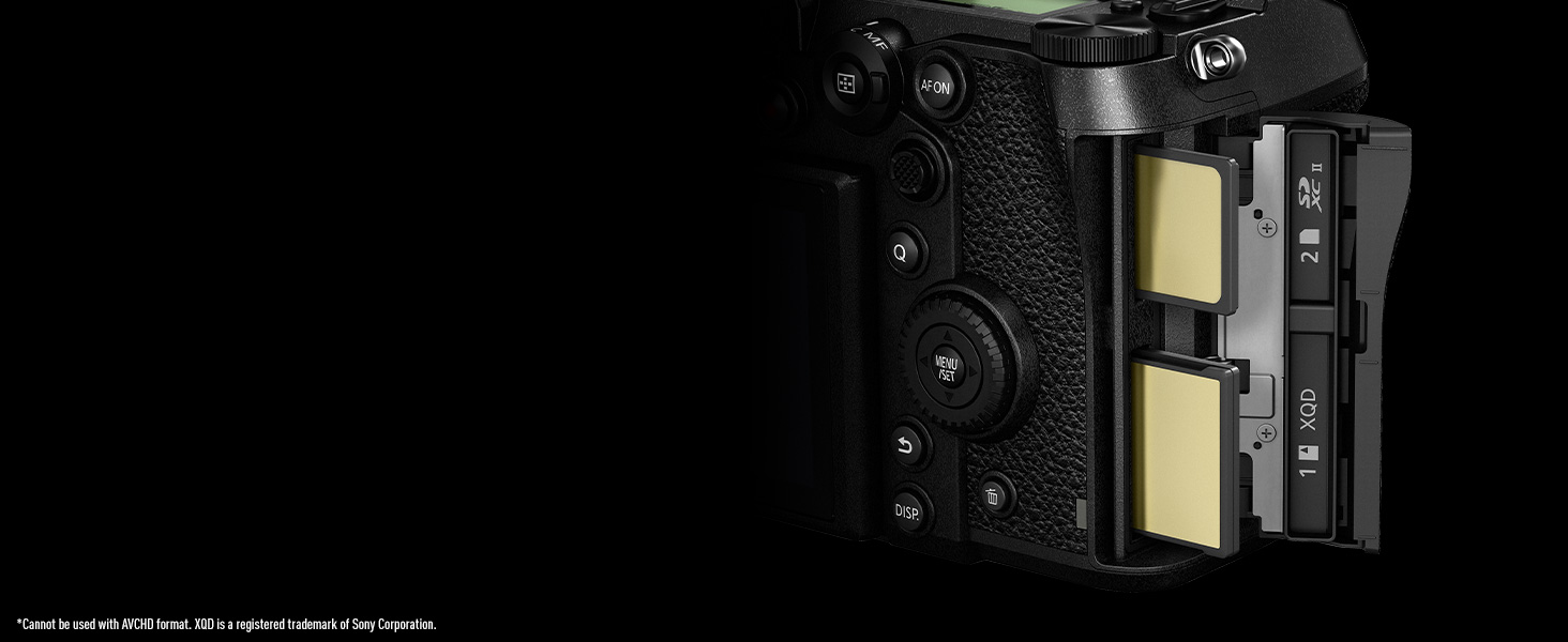 Panasonic LUMIX DC-S1 Dual SD UHS-II XQD Memory Card Slots