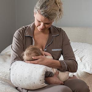 nursie pillow mom