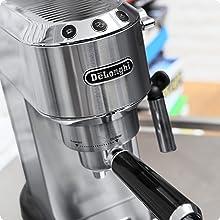De'Longhi Dedica EC680M Cafetera Tipo Barista de Acero Inoxidable para Espresso, Lungo, Cappuccino