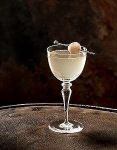 julep;julep cocktails;cocktail recipes;bar cart;party drinks;mint julep;southern cocktails;bartender