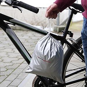 La funda para bicicleta viene con una práctica bolsa para guardarla.