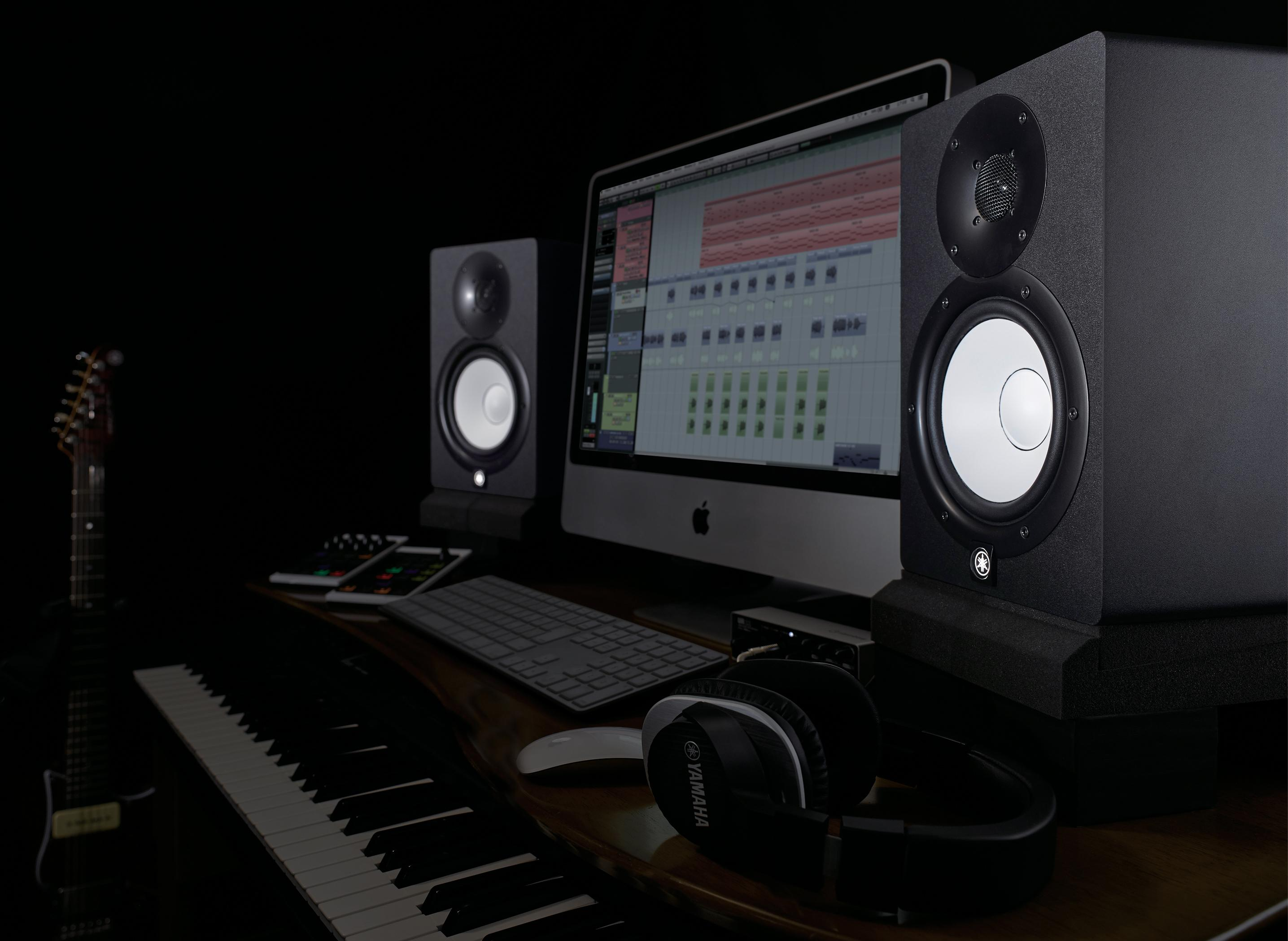 Amazon Com Yamaha Hs5 Powered Studio Monitor Musical