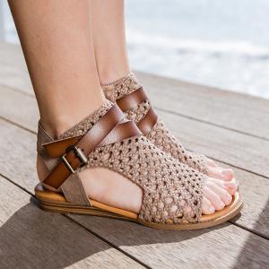 fd699401534 Amazon.com  Blowfish Women s Balla Wedge Sandal  Blowfish  Shoes