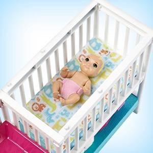 Barbie Skipper ¡Hora de la siesta! Muñeca Canguro con bebés y accesorios (Mattel GFL38)