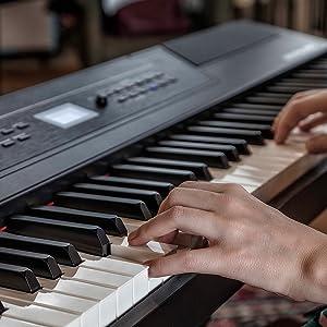 Digital Piano / Keyboard with 88 Hammer Action Keys
