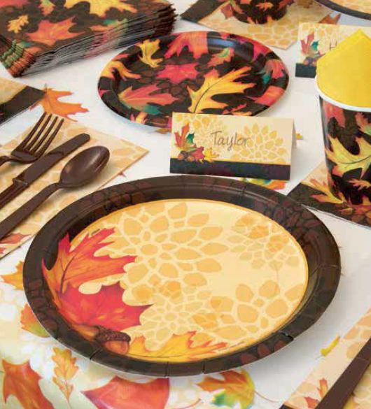 Amazon.com: Fall Leaves Oval Paper Plates, 8ct: Kitchen & Dining
