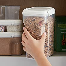 Sistema Bake IT Sculpted containers are easy to handle and hold