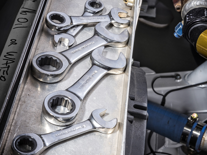 GEARWRENCH 72-tooth Stubby Ratcheting Wrenches in an automotive environment