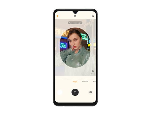 Super Night Selfie 2.0 with Aura Screen Light