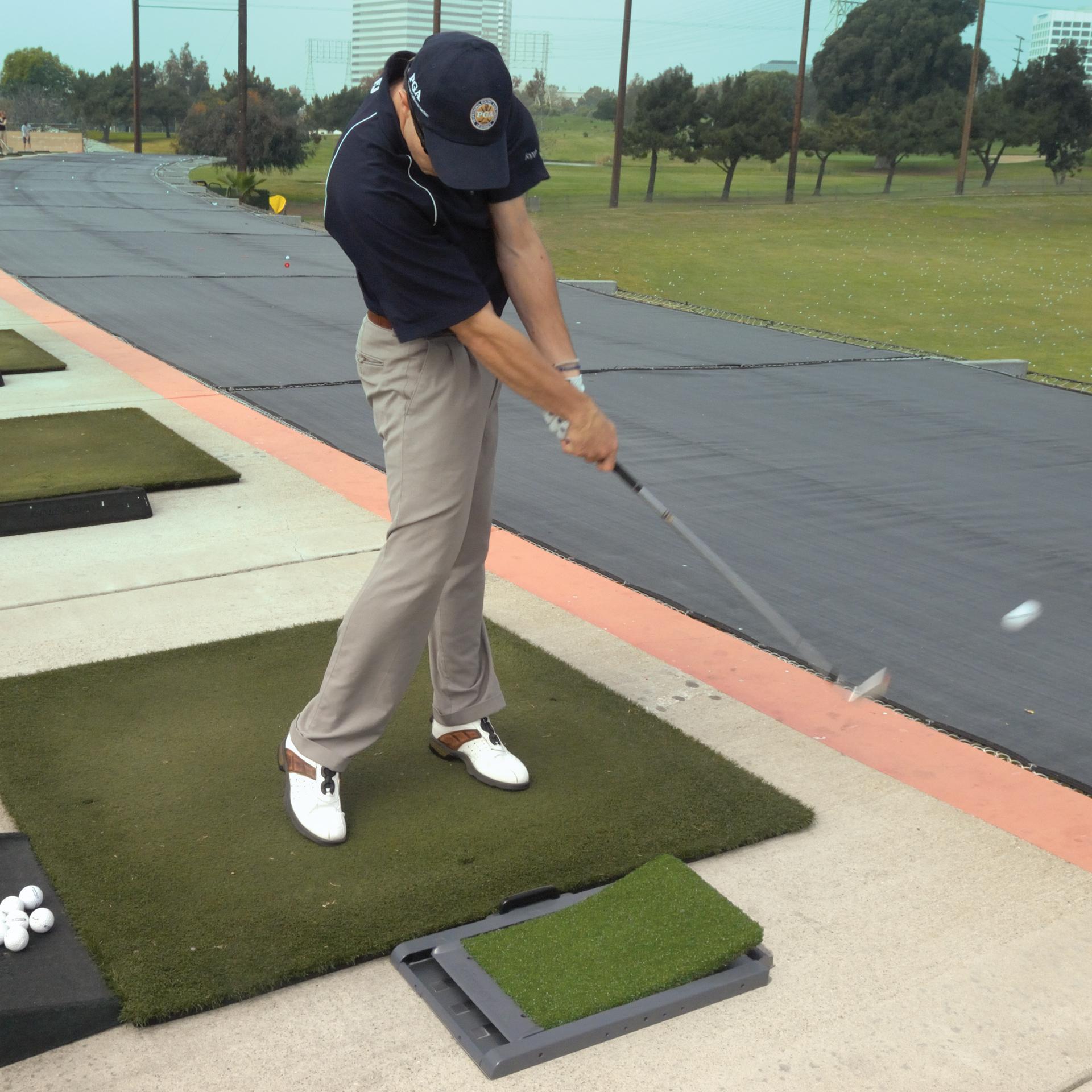amazon com fairwaypro divot simulator golf mat golf hitting